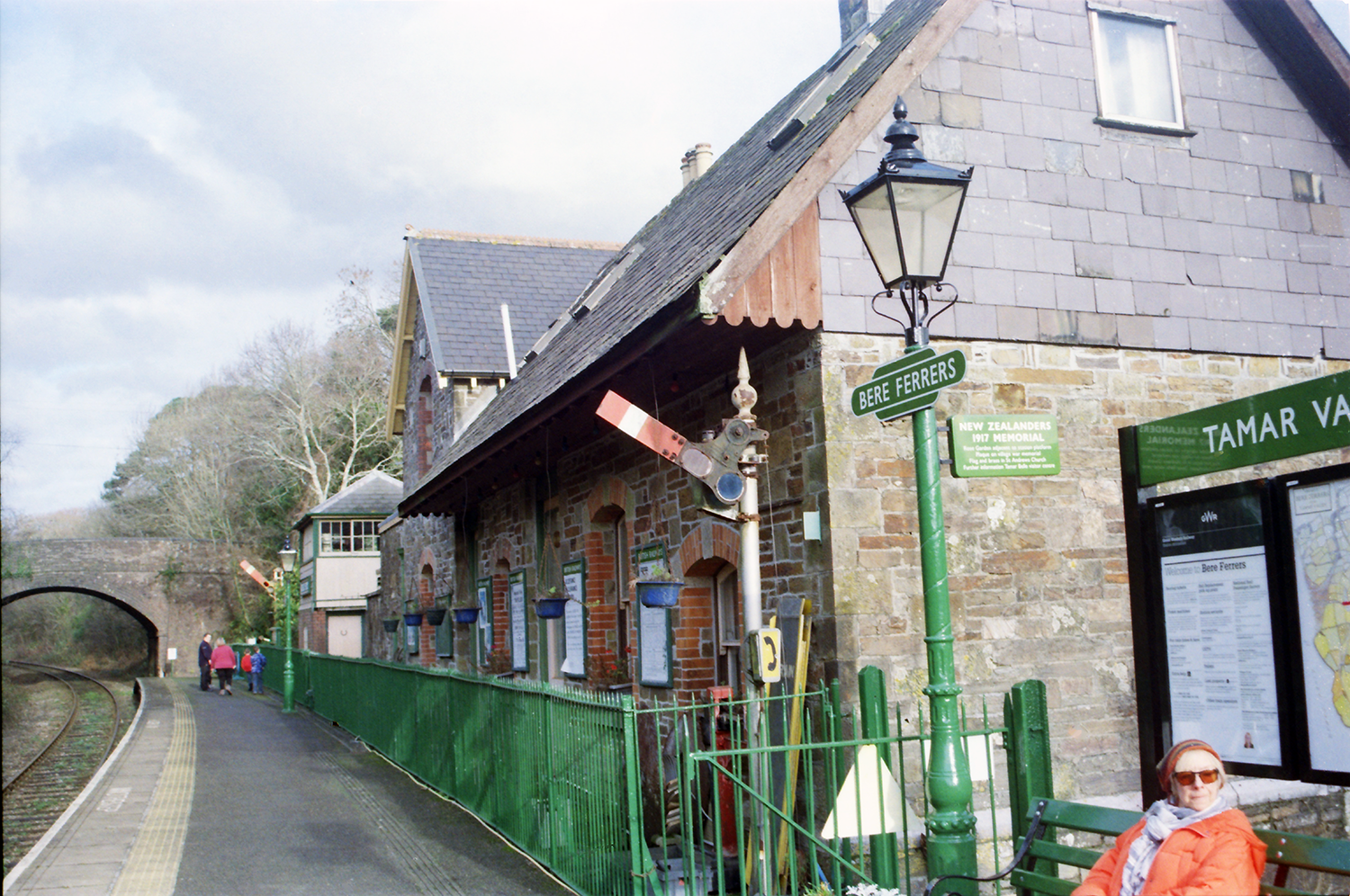 Bere Ferrers Station