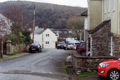 Walking down to the Tavy