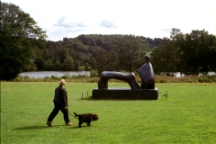 Henry Moore: Reclining Figure: Arch Leg